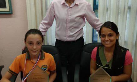 Alumna de Colonia Tirolesa obtiene Medalla de Bronce en Olimpíadas de Matemática